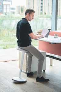 Sedus se:fit stool and stand up seat
