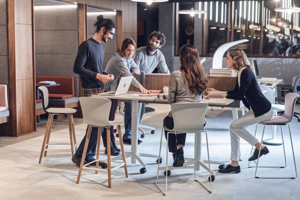 Arbeitsplatzstrategie se spoot stool und se assist