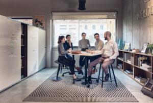 La colaboración tiene lugar en vivo y en la oficina digital