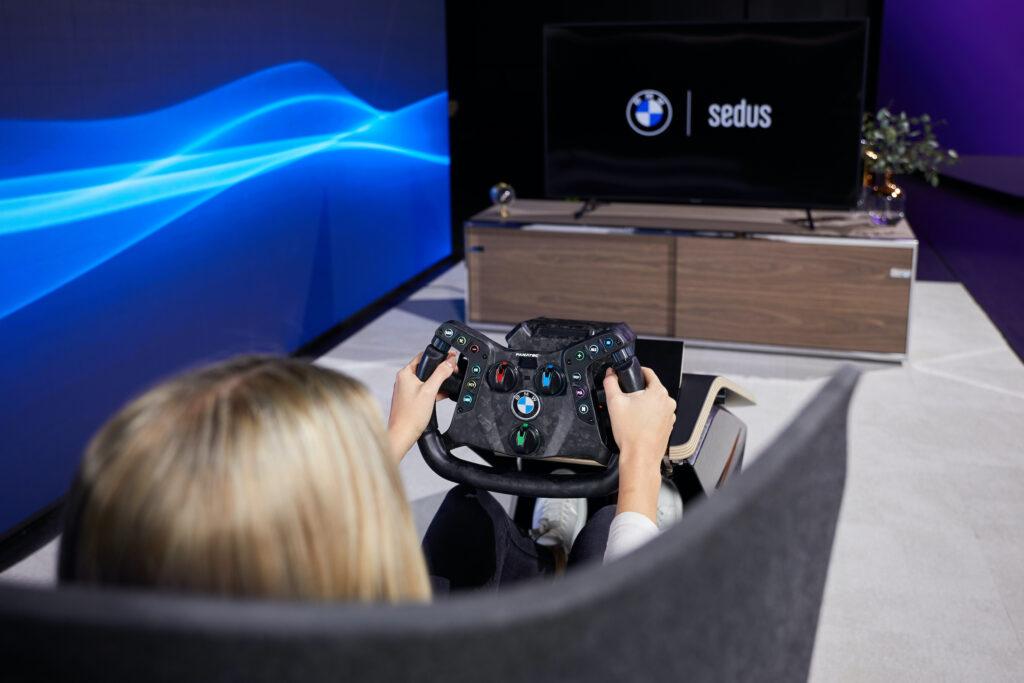 Sedus und BMW Motorsport Wohnzimmer Racing